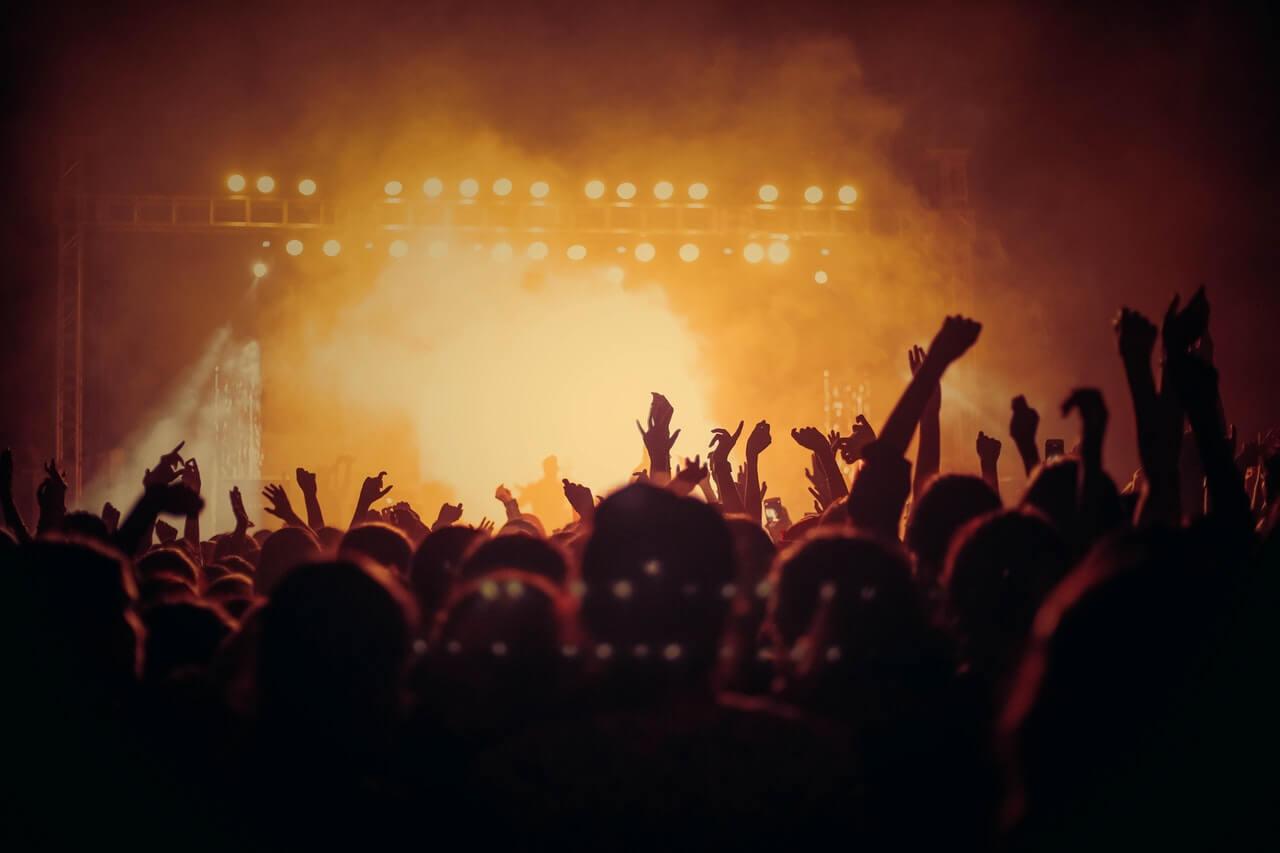 Op zoek naar de festival must-haves? Met deze items ben je helemaal het mannetje